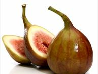 figs whole and sliced