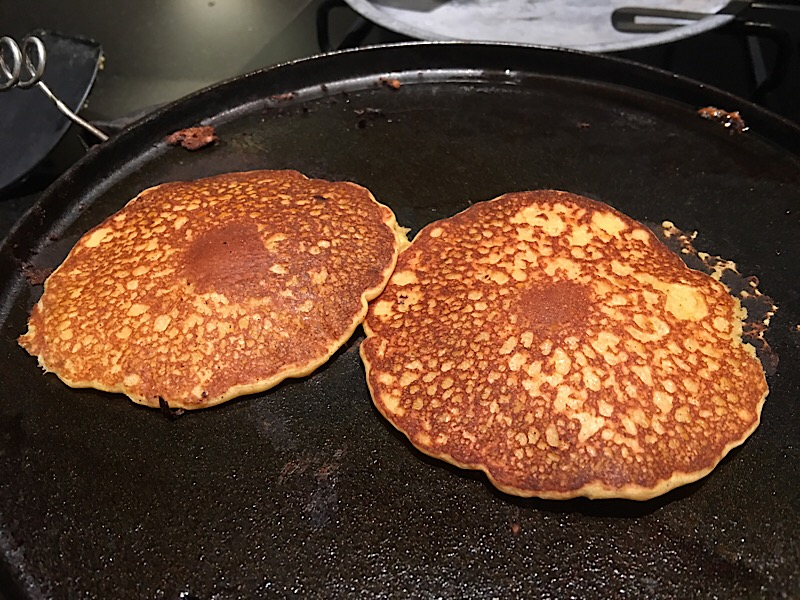 pumpkin-spice-pancakes-cooking