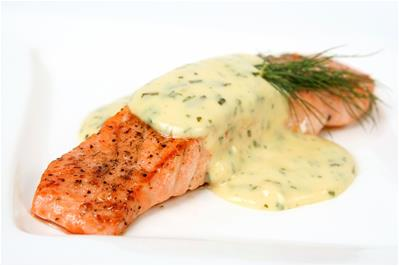 bernaise sauce on salmon