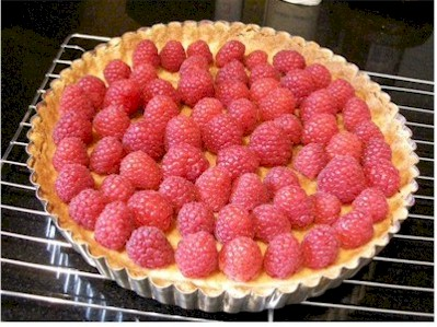 raspberries in crust