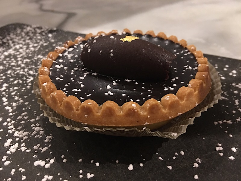 dessert chocolate tart