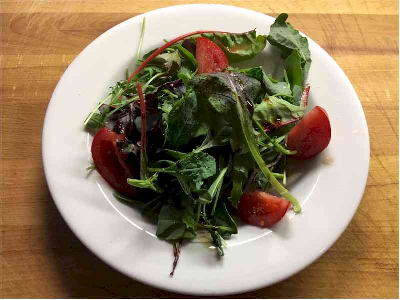mixed field greens salad with tomatoes