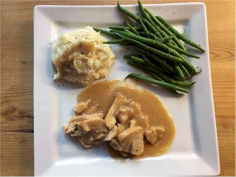 nutrisystem turkey medallions with mashed potatoes and green beans