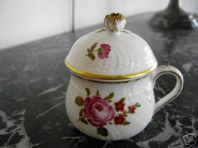 richard ginori pot de creme cup pink roses with gold trim side view