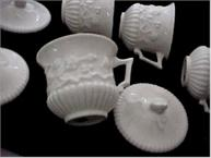 st cloud pot de creme cups all white 4 cups and lids shows embossing detail
