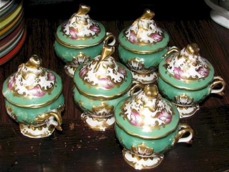 old paris pot de creme set of 6 green pink and gold trim lid view