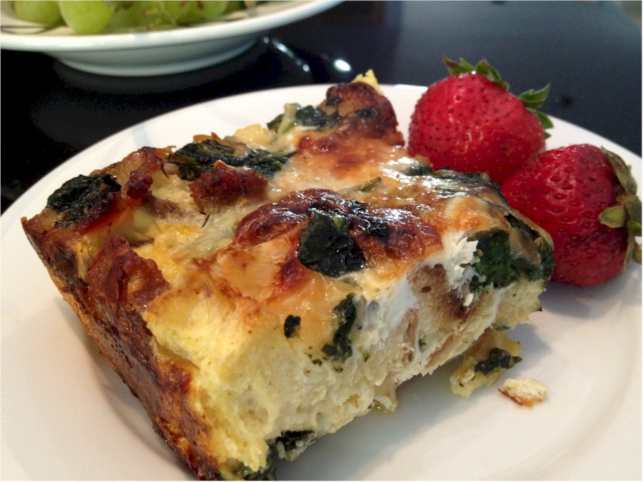 brealfast-casserole-sliced-900