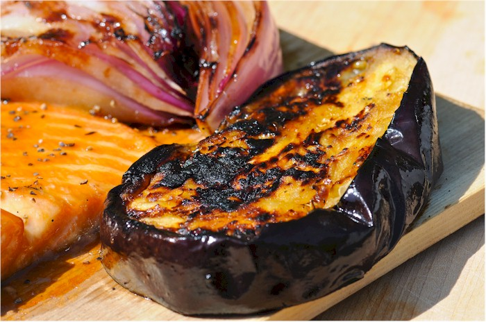 grilled egg plant with red onion
