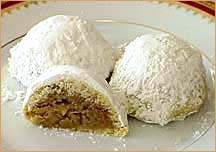 maamoul with walnut filling