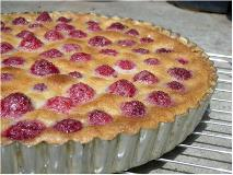 raspberry tart in tart pan