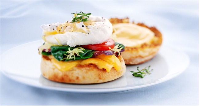 the benedict sandwich with cheese and egg