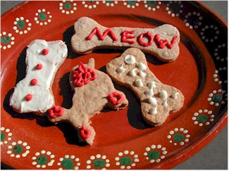 a plate of decorated dog treats