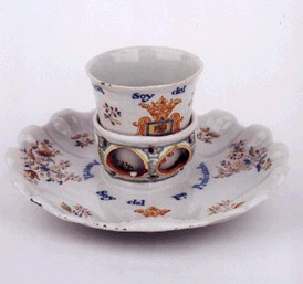 porcelain mancerina with attached saucer