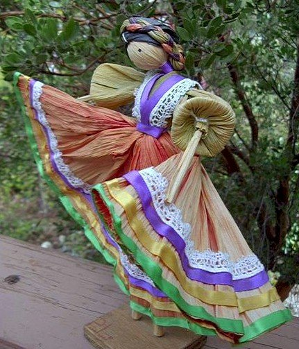 mexican cornhusk doll dancer
