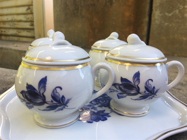 ginori blue floral set of 4 pots de creme with tray